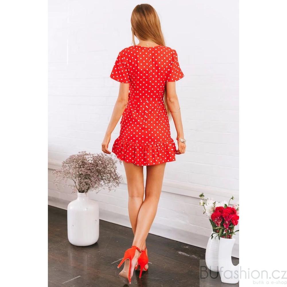Červené zavinovací šaty s mašlí · Display Gallery Item 1 · Display Gallery  Item 2 ... a6ede681f79