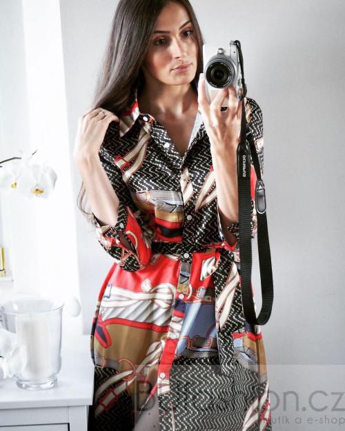 Vzorované saténové šaty