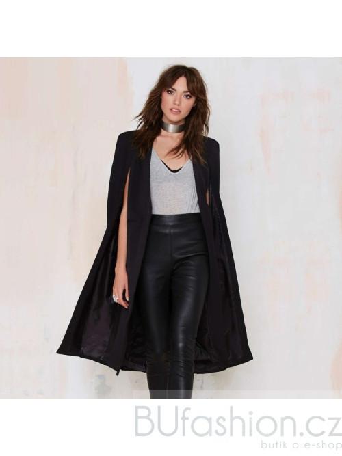 Černý kabát s průstřihy