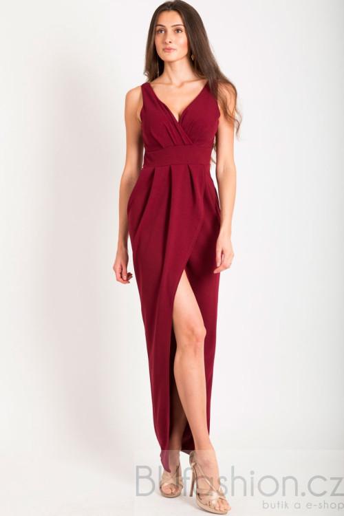 Vínové dlouhé šaty s rozparkem