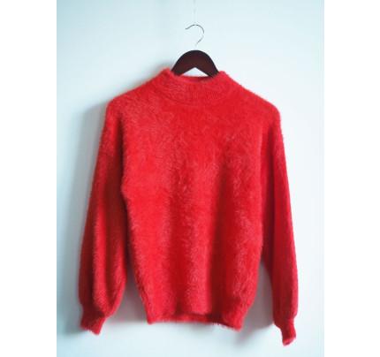 Červený jemný svetr s chlupem