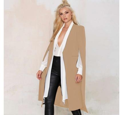 Béžový kabát s průstřihy