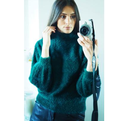 Zelený jemný svetr s chlupem